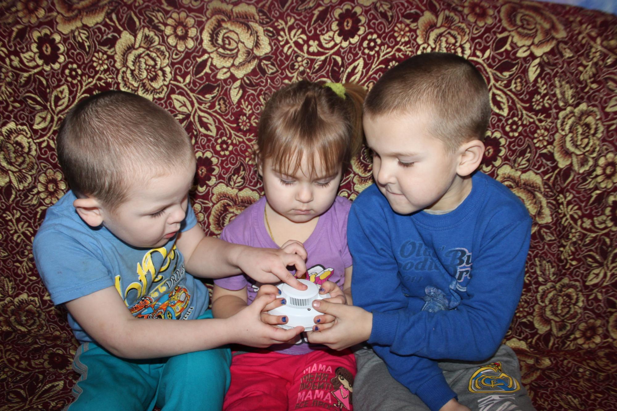 В детских ладошках залог безопасности